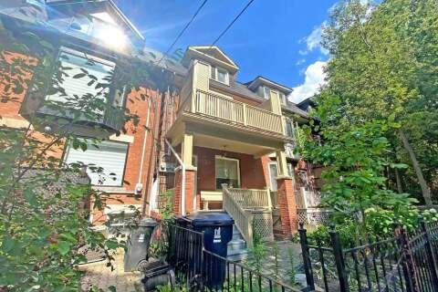 Townhouse for rent at 123 Seaton St Unit Upper Toronto Ontario - MLS: C4812184