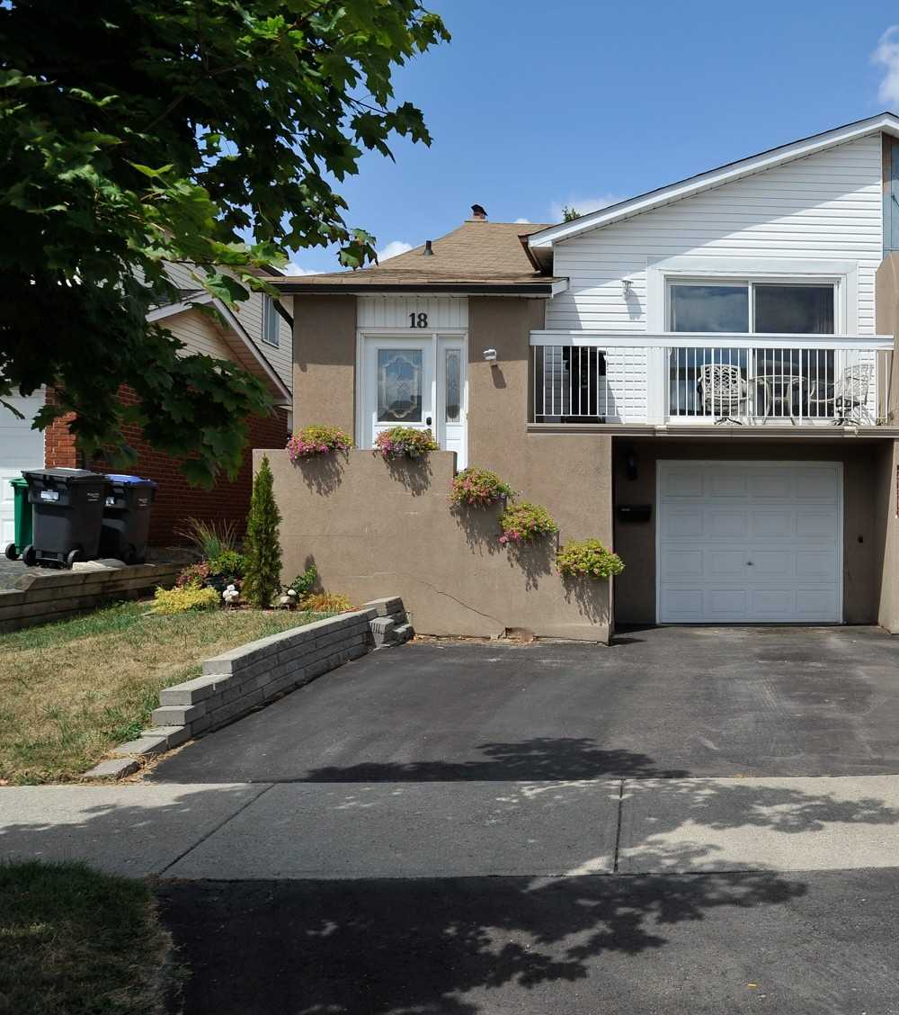 For Rent: Upper - 18 Elderwood Place, Brampton, ON | 3 Bed, 1 Bath Townhouse for $1990.00. See 11 photos!
