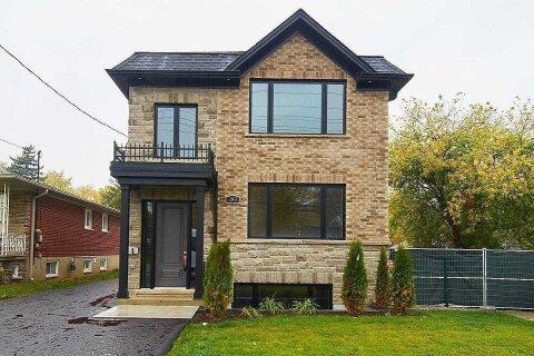 Townhouse for rent at 190 Dixon Rd Unit Upper Toronto Ontario - MLS: W4966876