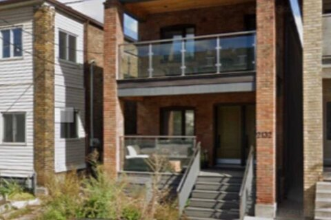 Townhouse for rent at 2132 Dundas St Unit Upper Toronto Ontario - MLS: W5055418