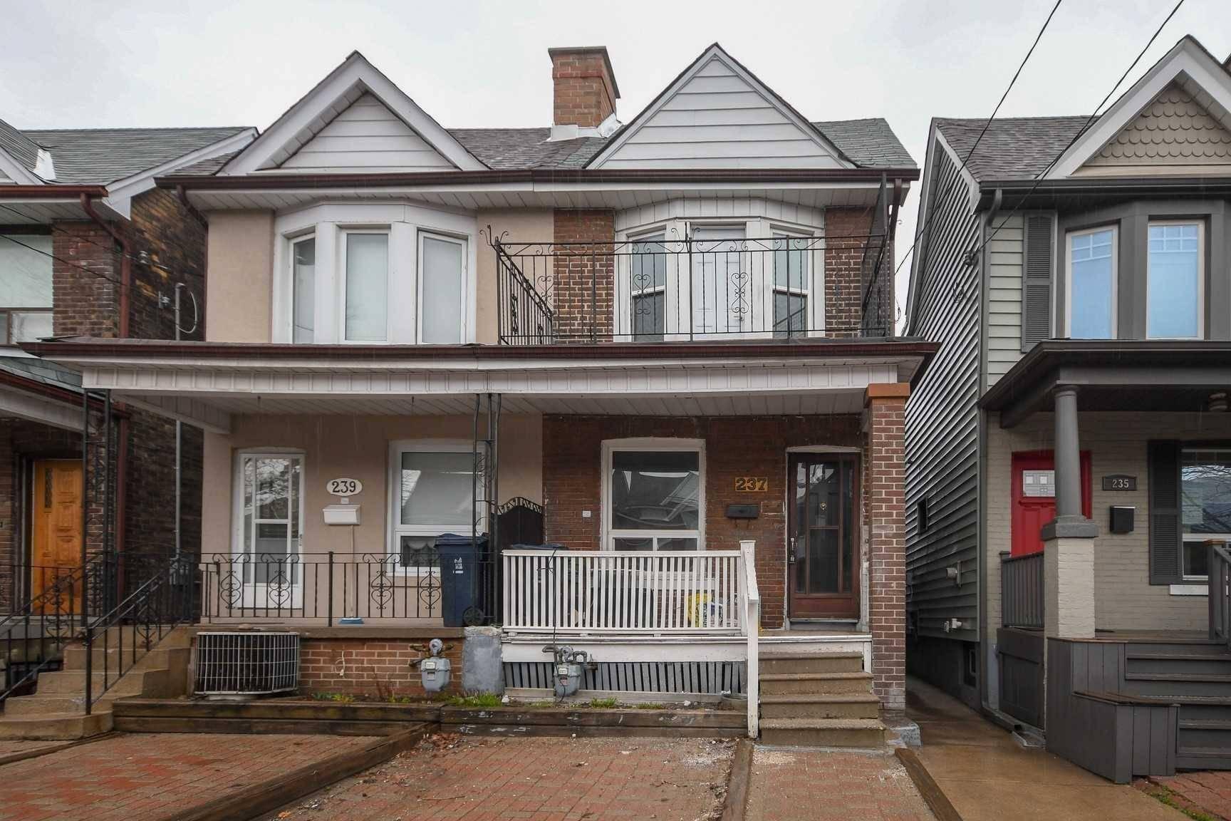 Upper - 237 Symington Avenue, Toronto   Image 1