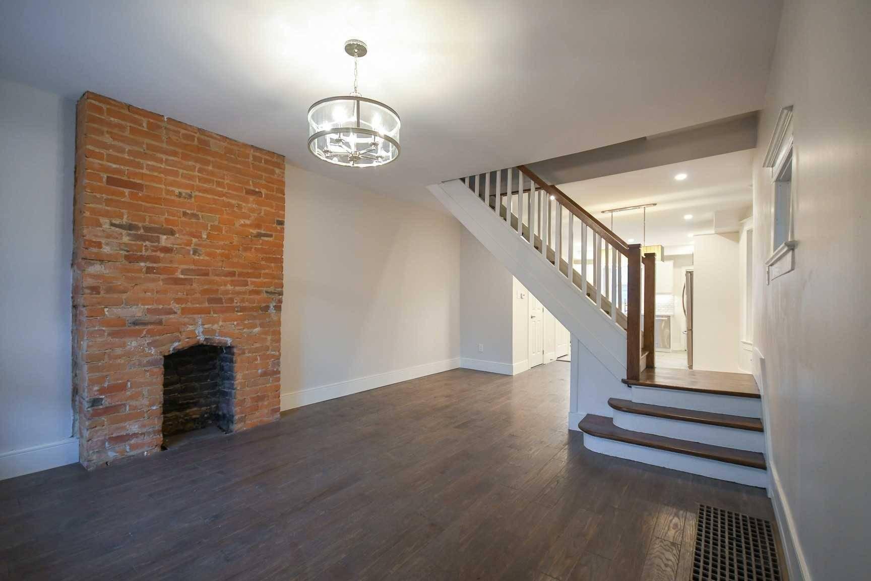 Upper - 237 Symington Avenue, Toronto   Image 2