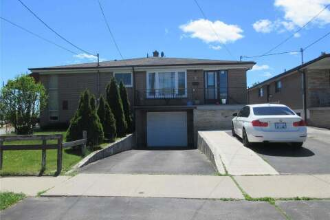 Townhouse for rent at 3 Topeka Rd Unit Upper Toronto Ontario - MLS: W4789935