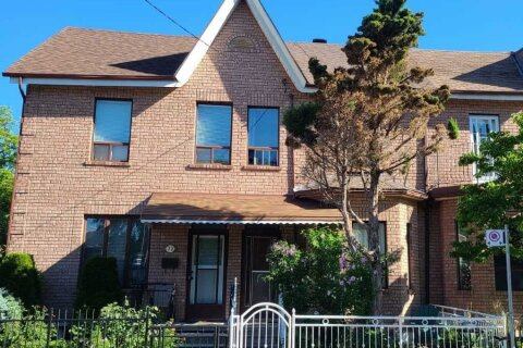 Townhouse for rent at 30 Argyle St Unit Upper Toronto Ontario - MLS: C5085399