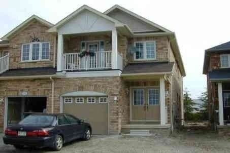 Townhouse for rent at 323 Oaktree Circ Unit (Upper) Mississauga Ontario - MLS: W4998038