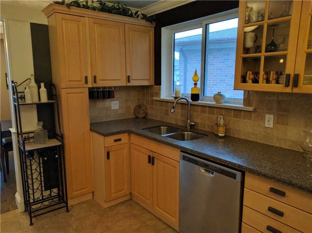 For Rent: 34 Boulding Drive, Aurora, ON | 3 Bed, 1 Bath House for $1,750. See 20 photos!