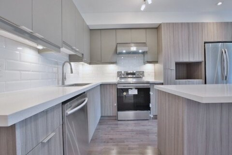 Townhouse for rent at 34 Macdonell Ave Unit Upper Toronto Ontario - MLS: W4992329