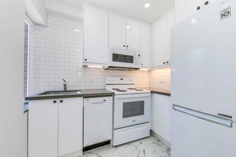 House for rent at 370 Strathmore Blvd Unit Upper Toronto Ontario - MLS: E4966795