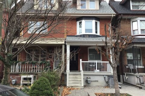 Townhouse for rent at 374 Crawford St Unit Upper Toronto Ontario - MLS: C4996949