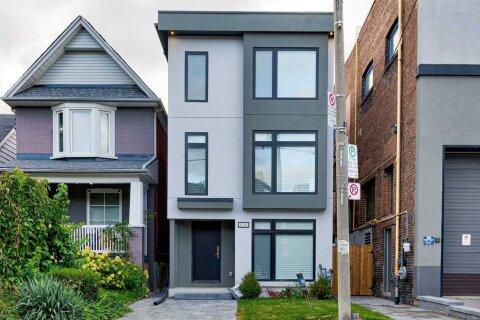 House for rent at 40 Gough Ave Unit Upper Toronto Ontario - MLS: E4966801