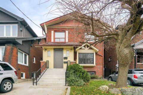 House for rent at 745 Coxwell Ave Unit Upper Toronto Ontario - MLS: E4945968