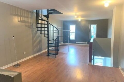 Commercial property for lease at 823 Queen St Apartment Upper Toronto Ontario - MLS: C5066607