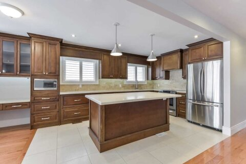 Townhouse for rent at 87 Fontainbleau Dr Unit Upper Toronto Ontario - MLS: C4978422