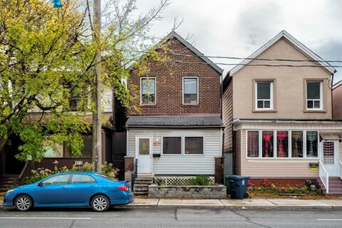 House for rent at 977 Dupont St Unit Upper Toronto Ontario - MLS: W4968033
