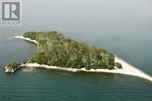 Home for sale at V/L Middle Sister Island  Pelee Island Ontario - MLS: 20008347