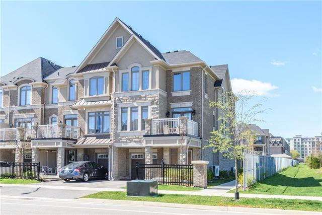 For Sale: W3863554, Oakville, ON | 2 Bed, 2 Bath Townhouse for $650,000. See 19 photos!