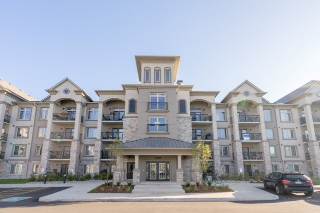 For Sale: W3944974, Milton, ON | 1 Bed, 1 Bath Condo for $389,900. See 18 photos!