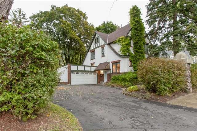 For Sale: W3960299, Burlington, ON | 3 Bed, 3 Bath House for $1,099,000. See 20 photos!