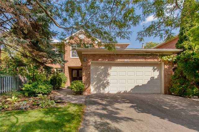 For Sale: W3965424, Oakville, ON | 4 Bed, 3 Bath House for $1,299,000. See 20 photos!