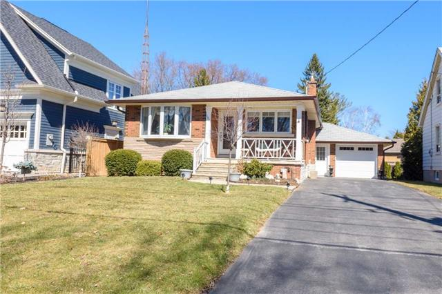 For Sale: W3967109, Oakville, ON | 3 Bed, 1 Bath House for $998,000. See 20 photos!