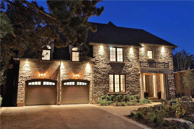 For Sale: W3974737, Oakville, ON | 4 Bed, 6 Bath House for $2,288,000. See 20 photos!