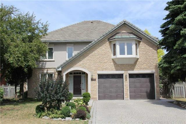 For Sale: W3984777, Mississauga, ON | 5 Bed, 4 Bath House for $1,695,000. See 19 photos!