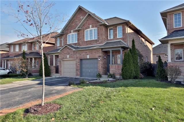 For Sale: W3990406, Oakville, ON | 3 Bed, 4 Bath Townhouse for $759,800. See 20 photos!