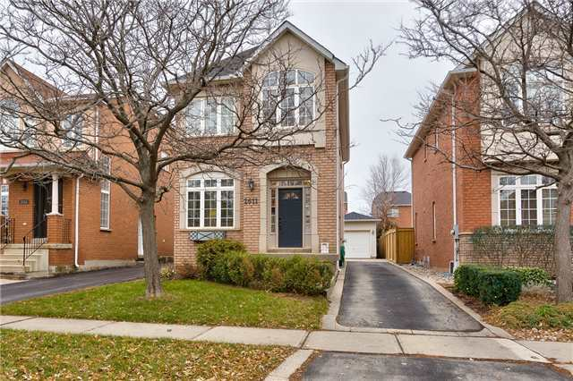 For Sale: W4002418, Oakville, ON | 4 Bed, 3 Bath House for $838,000. See 19 photos!