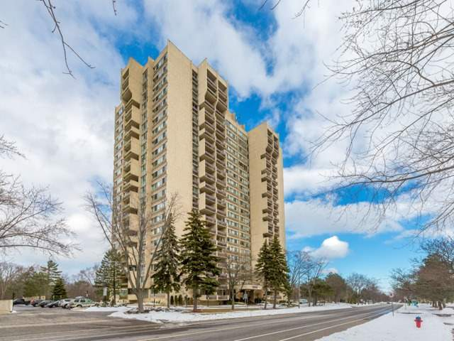 For Sale: W4031424, Oakville, ON | 2 Bed, 2 Bath Condo for $589,000. See 20 photos!
