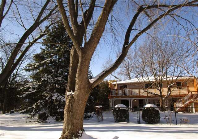 For Sale: W4033904, Oakville, ON   3 Bed, 2 Bath House for $1,288,000. See 20 photos!