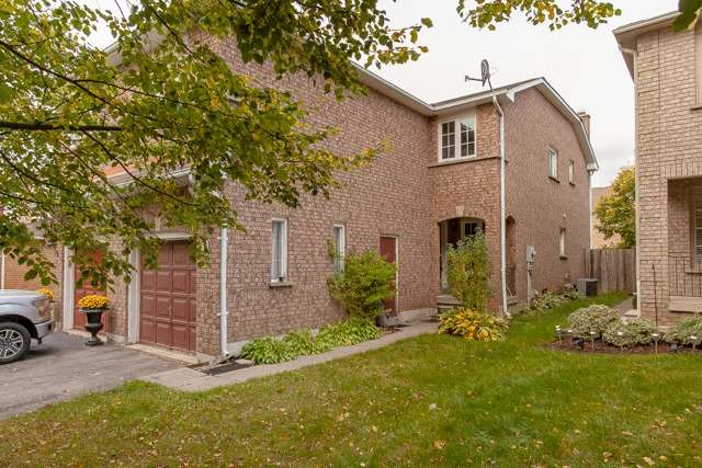 For Sale: X3965784, Hamilton, ON | 4 Bed, 3 Bath Townhouse for $511,000. See 20 photos!