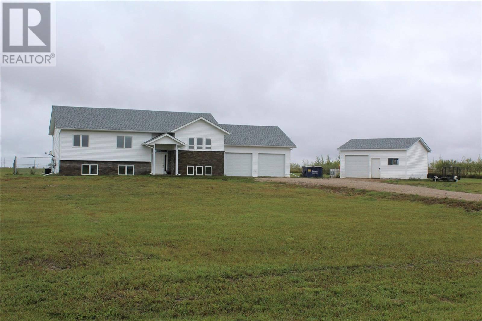 House for sale at  Young Acreage  Estevan Rm No. 5 Saskatchewan - MLS: SK786510